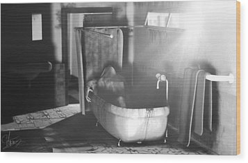 Murder In The Bath Wood Print by Anton Egorov