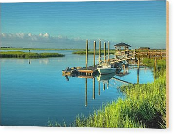 Murrells Inlet Dock Wood Print by Ed Roberts