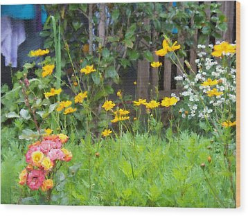 My Garden Wood Print by Gabriel Mackievicz Telles