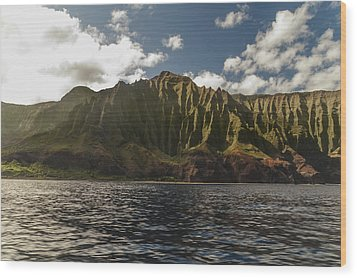Na Pali Coast Kauai Hawaii Wood Print by Brian Harig