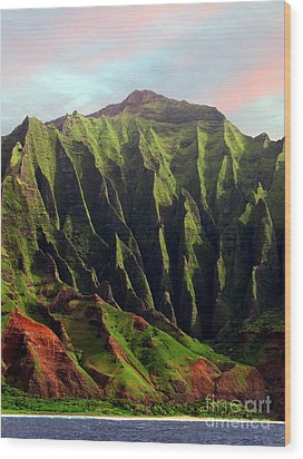Napali Coast On Kauai  Wood Print by Joseph J Stevens