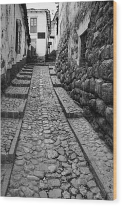 Narrow Street In Cusco Wood Print