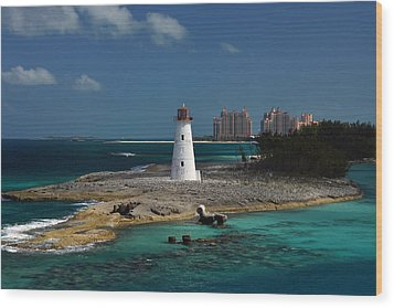 Wood Print featuring the photograph Nassau Harbour Lighthouse by Bill Swartwout