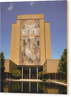 Nd Touchdown Jesus Wood Print