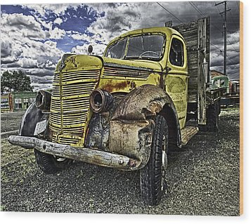 Needs New Headlights Wood Print by Gary Neiss