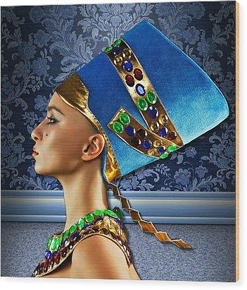 Nefertiti 2 Wood Print by Karen Showell