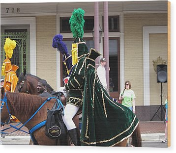 New Orleans - Mardi Gras Parades - 121258 Wood Print by DC Photographer
