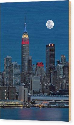New York City Moonrise  Wood Print by Susan Candelario
