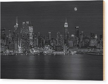 New York City Night Lights Wood Print by Susan Candelario