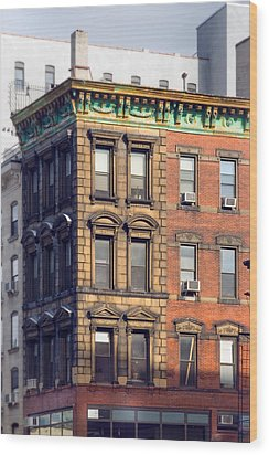 New York City - Windows - Old Charm Wood Print by Gary Heller
