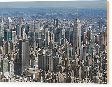New York Manhattan Areal View  Wood Print by Lars Ruecker