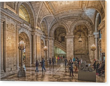 New York Public Library In New York City Wood Print by Linda Karlin