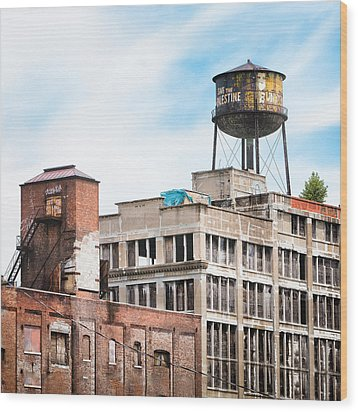 Wood Print featuring the photograph New York Water Towers 18 - Greenpoint Water Tower by Gary Heller