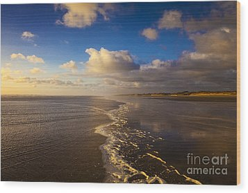 New Zealand Ninety Mile Beach Wood Print by Colin and Linda McKie