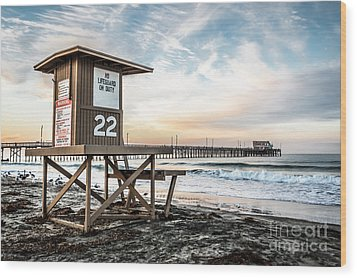 Newport Beach Pier And Lifeguard Tower 22 Photo Wood Print by Paul Velgos