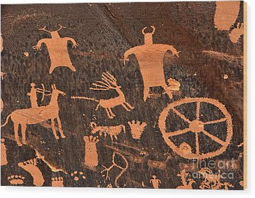 Newspaper Rock Close-up Wood Print by Gary Whitton
