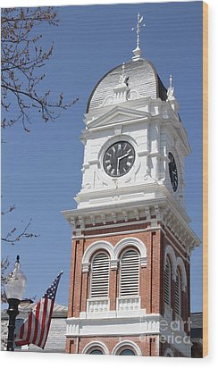 Newton County Courthouse Wood Print by Cathy Lindsey