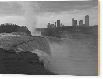 Niagara Falls - Autumn - B N W Wood Print