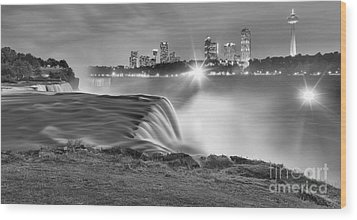 Niagara Falls Black And White Starbursts Wood Print by Adam Jewell