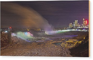 Niagara Falls Ice Bridge Wood Print by Richard Engelbrecht