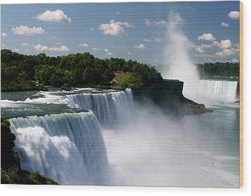 Niagara Falls Wood Print by Sandy Fraser