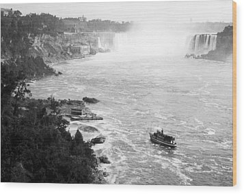 Wood Print featuring the photograph Niagara Falls With Sightseeing Boat 1904 Vintage Photograph by A Gurmankin