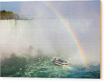 Niagara's Maid Of The Mist Wood Print by Adam Pender