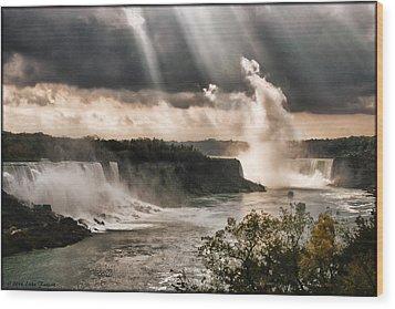 Niagra Falls Wood Print