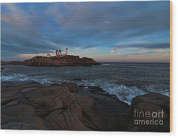 Night At Nubble Light Wood Print