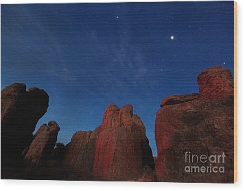 Wood Print featuring the photograph Night Sky City Of Rocks by Martin Konopacki