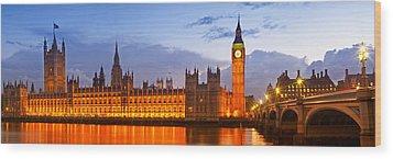 Nightly View - Houses Of Parliament Wood Print by Melanie Viola