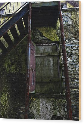 No Entry Wood Print by Richard Reeve
