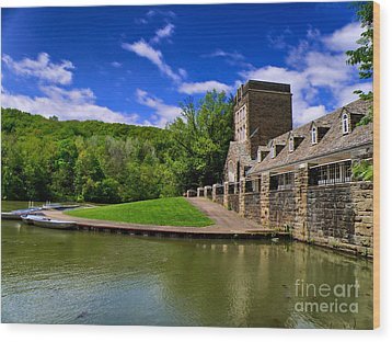 North Park Boathouse In Hdr Wood Print by Amy Cicconi