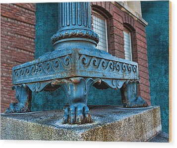 North Platte Post Office Lamp Post Wood Print