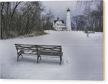 North Point Lighthouse And Bench Wood Print by Scott Norris