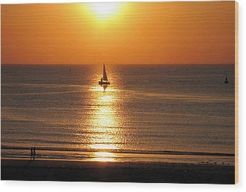 North Sea Sunset Wood Print by Gerry Bates