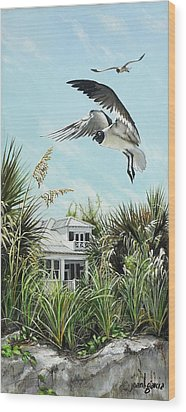 North Shore Landing Wood Print by Joan Garcia