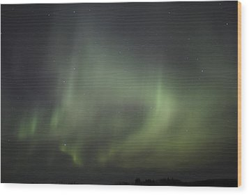 Wood Print featuring the photograph Northern Lights Over Wroxton by Ryan Crouse