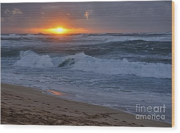 Wood Print featuring the photograph Northshore Nightfall by Gina Savage