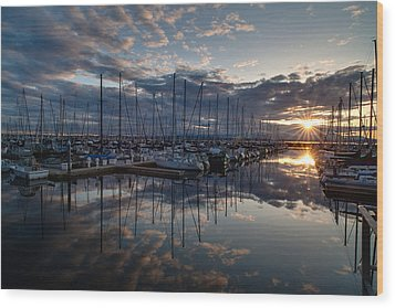 Northwest Marina Sunset Sunstar Wood Print by Mike Reid