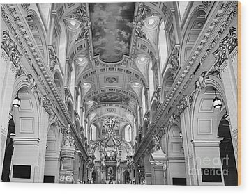 Notre-dame Basilica Wood Print