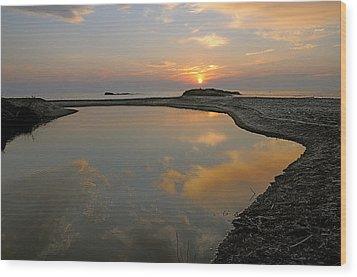 November Sunrise-lake Superior Wood Print by Sandra Updyke