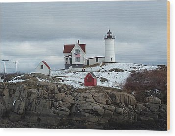 Wood Print featuring the photograph Nubble Light In December by Barbara McDevitt