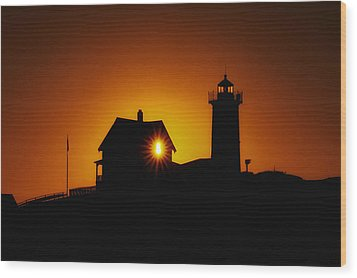 Nubble Lighthouse Sunrise Starburst Wood Print by Scott Thorp