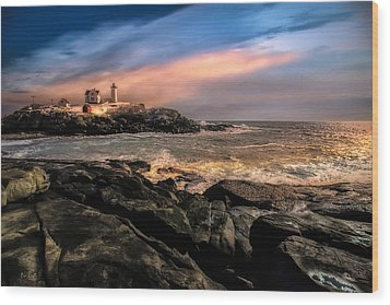 Nubble Lighthouse Winter Solstice Sunset Wood Print by Bob Orsillo