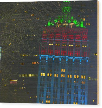 Nyc Christmas Time Wood Print by Sue Rosen