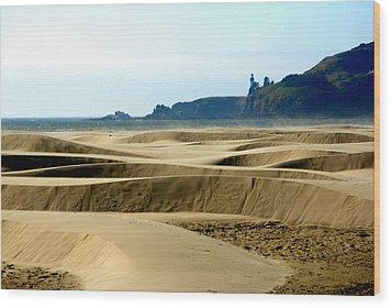 Nye Dunes Wood Print by Mamie Gunning