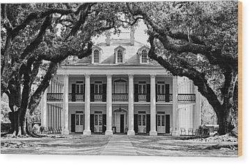 Wood Print featuring the photograph Oak Alley Mansion Black And White by Photography  By Sai