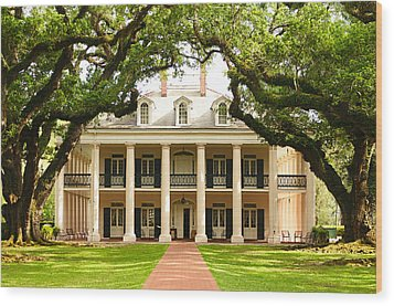 Oak Alley Mansion Wood Print by Photography  By Sai