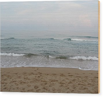 Ocean At Buxton Nc Wood Print by Cathy Lindsey